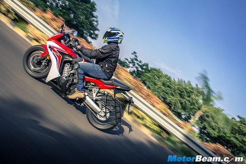 2015-Honda-CBR650R-06