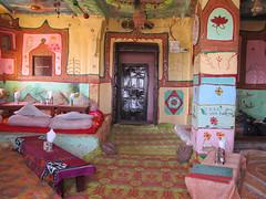 """Resto dans le fort de Jaisalmer <a style=""""margin-left:10px; font-size:0.8em;"""" href=""""http://www.flickr.com/photos/127723101@N04/22203844490/"""" target=""""_blank"""">@flickr</a>"""