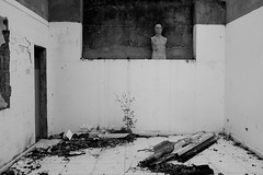 (Didier Barrera) Tags: blackandwhite mannequin streetphotography memory moderntimes wreckage