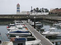 2016-10-21_Cascais_6196 (swissbert) Tags: cascais portugal boat harbour harbor ship boot schiff atlantik yacht segelyacht segelboot segel sails sailingboat leuchtturm lighttower hafen