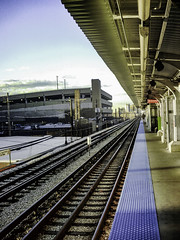 DL Cam street 10-11-2016 pic37 (Artemortifica) Tags: cta chicago street blueline bus night old redline sunny train weather il usa