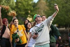 Green & gold selfies! (William & Mary Photos) Tags: select homecoming parade wm wmhc williamandmary williammary collegeofwilliamandmary collegeofwilliammary greenandgold alumni fall