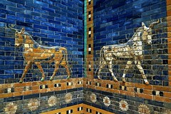 Pergamon Museum in Berlin - Part of the Ishtar Gate and the Processional Way of Babylon [Explore 14/10/2016] (Sokleine) Tags: pergamon pergame babylone antiquities mosaics ceramics animals history masterpiece museum musée berlin germany deutschland allemagne mésopotamie boeufs two deux zwei explore ishtar