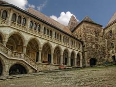 Castelul Huniazilor-Hunedoara (dansuciu71) Tags: castle history travel attraction city