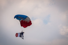 Parachutiste (Zik Photography) Tags: free freeflight saintemaxime 2016 parachutiste armedelair