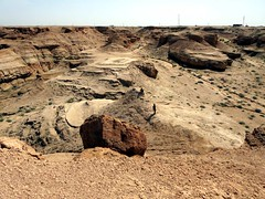 Edge of the Desert (D-Stanley) Tags: attarcaves karbala iraq desert syria saudi arabia