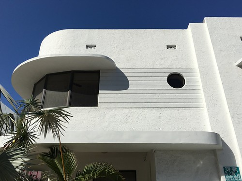 Art Deco Details Surfside Apartments