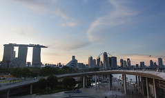 Marina barrage (anastasia r) Tags: gardensbythebay singapore city evening kites marinabarrage marinabaysands outside people singaporefly sg