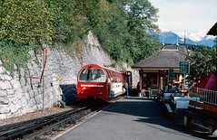 Brienz BRB Bahnhof, Switzerland. 08/10/2000. (Marra Man) Tags: brienz brb 9 brienzrothornbahn 800mmgauge typehm22