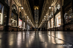 Galeries Royales Saint Hubert - Bruxelles - Belgique (vlegallic) Tags: bruxelles belgique be galeriesroyales night nightshot urbannightshot urban brussels nikon d610 nikond610 tamron tamronsp2470mmf28divcusd tamron2470