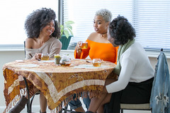 IMG_6172 (sabrinafvholder) Tags: women black african american natural hair ors commercial tea drinking girlfriends