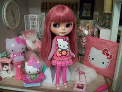 """Hello Kitty""..... (simplychictiques) Tags: toys hellokitty hobby accessories dollhouse pinkpalace yardley childlike hellokittyitems fruitpunchcustom petitchatgriscustom cranberryshersheereroot hellokittydressbysugarblocks spahairtreatment"