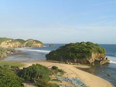 Liburan Kamu harus ke Pantai Drini, Pesona Tanah Lot di Selatan Jawa (sarmin_hi) Tags: yogya pantai karang gunungkidul drini eksotik