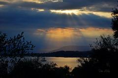 ... (danars) Tags: corf grecia perivoli alba cielo nuvole raggi mare acqua corf