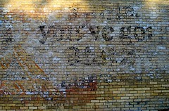 Blatz Ghost, Juneau Wisconsin (Cragin Spring) Tags: juneau juneauwi juneauwisconsin wisconsin wi midwest unitedstates usa unitedstatesofamerica beer blatz ghost sign ghostsign piwo bier dodgecounty