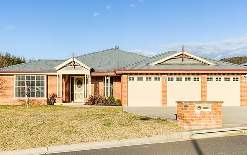 8 Robertson Street, Lithgow NSW