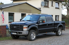 Super Duty Ford (Schwanzus_Longus) Tags: delmenhorst german germany us usa american america new modern pickup pick up truck black ford f250 f 250 lariat super duty spotted spotting carspotting