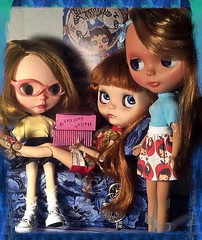 Blythe-a-Day November#25: Black Friday&#29: Dolly Mail: The Girls Snoop