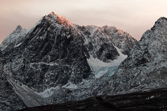 The last kiss of light (Bente Nordhagen) Tags: lyngen sistesoldag solnedgang soloppgang mountain sunlight lenangstindan