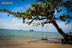 Coin de Paradis (CH-Romain) Tags: thailande thailand thai thailandais ile island koh chang asia asie soleil ocean mer sea sun beach balancoire arbre plage indien
