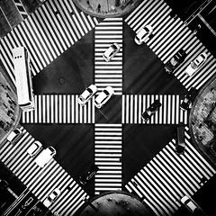 Sukiyabashi intersection, Tokyo (Masahiko Kuroki (a.k.a miyabean)) Tags: bw square noiretblanc iphone iphone6plus 銀座 数寄屋橋 交差点 東京