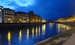 Lungarno a Pisa nell'ora blu (giorgiorodano46) Tags: novembre2010 november 2010 giorgiorodano pisa toscana tuscany italy arno river fiume lungarno bluehour orablu