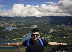 En la cima del Peol (jhonpmejia) Tags: peol medelln cima viaje blue sky photo photography horizonte repreza