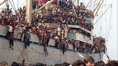 #Albanian Refugees fleeing post-communism food shortages and poverty on the cargo ship Vlora in Baris port, Italy on 8 August 1991 [1600x900] #history #retro #vintage #dh #HistoryPorn http://ift.tt/2fOhATw (Histolines) Tags: histolines history timeline retro vinatage albanian refugees fleeing postcommunism food shortages poverty cargo ship vlora baris port italy 8 august 1991 1600x900 vintage dh historyporn httpifttt2fohatw
