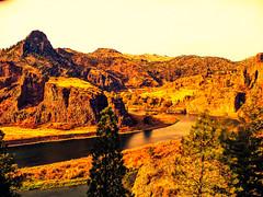 Fall Cometh to Montana! (Douglas H Wood) Tags: river mt missouri hardy
