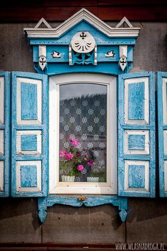 Przepięknie zdobione okiennice