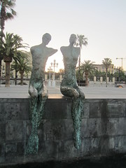 "Esculturas en el Paseo de Colón • <a style=""font-size:0.8em;"" href=""http://www.flickr.com/photos/78328875@N05/22888062097/"" target=""_blank"">View on Flickr</a>"