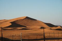al madam big red (Parto Domani) Tags: red big al sand desert dunes united dune uae arabic east emirates arab desierto oriente middle madam duna peninsula medio uniti wste arabi deserto sabbia arabica dsert penisola emirati rossa    wste dsert