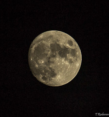 Moon, (Tristan Roebersen) Tags: cloud moon tristan canon dark eos evening cool afternoon mooning usm epic chill ef 70200mm f4l brigh 1200d roebersen