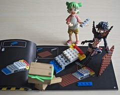 Follow the note!  (Damien Saint-) Tags: toy amazon vinyl yotsuba danbo revoltech goodsmilecompany danboard ryukomatoi