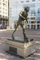 Terry Fox (Kev Gregory (General)) Tags: ontario canada money heritage water against st statue newfoundland hope prime bay fight others chair support jean general body marathon live leg dream cancer bob artificial right betty atlantic desire governor research believe lucky fox terry romeo 1958 1981 lives gregory across kev canadians legacy better rolland thunder regional sheila heroic johns minister carleton determination dipping municipality raising heroism chretien leblanc rededication copps uniting annually chiarelli honourable