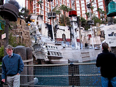 2009 - 04 - 03 - Treasure Island Pirate Ship (Mississippi Snopes) Tags: treasureislandcasino pirateship lasvegasnevada strip