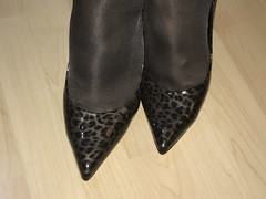 IMG_4273 (pantyhosestrumpfhose) Tags: pantyhose strumpfhose collant nylonlegs tights pumps shoe shoes schuhe beine bestrumpftebeine legs pantyhoselegs pantyhosefeet