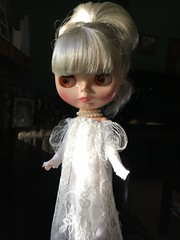 Length shot of vampire Lucy's Underdress.  Dark rabbit hole. Gown by Painterslife. (Painters Life) Tags: platinum whitegown darkrabbithole blythe takara the go