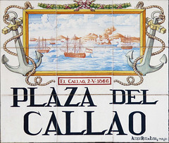 Plaza del Callao (Rafa Gallegos) Tags: madrid espaa spain callesdemadrid madridstreets azulejos tiles plazadelcallao