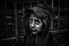 Little Boy (Bernai Velarde-Light Seeker) Tags: shoe shine boy poverty urban city pobreza urbana nio limpiazapatos sur south america byn bw retrato portrait
