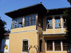 Old Plovdiv, Bulgaria - National Revival period architecture (johnnysenough) Tags: 62 oldplovdiv nationalrevivalperiodarchitecture plovdiv bulgaria bălgarija bulgarie bulgarien centraleurope пловдив 18th19thcentury balkanarchitecture historical travel vacation 100citiesx1trip snv37694