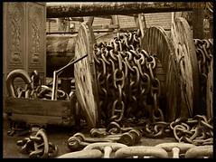 Chains (zweiblumen) Tags: chains monochrome sepia ssgreatbritain ship museum bristol england uk brunel canoneos50d polariser zweiblumen