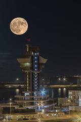 Luna (Doble exposicion) (Urugallu) Tags: luna noche luz reflejos torre musel gijon xixon luces mar puerto nubes joserodriguez urugallu canon 70d flickr asturias
