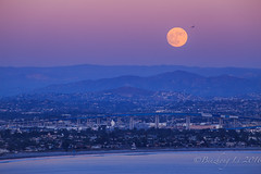 Supermoon at Point Loma (binzhongli) Tags: moon moonrise supermoon moonshot moonphotos moonphotography pointloma cabrillomonument sandiego canon canon6d