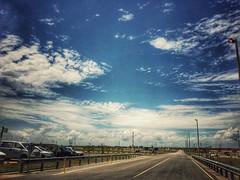 Lunes en MDP (eva.uy) Tags: coloniauruguay conchillas mdp montes del plata uruguay nubes calle trabajo papelera cielo celeste verano cloudy cloud sky outdoor heaven