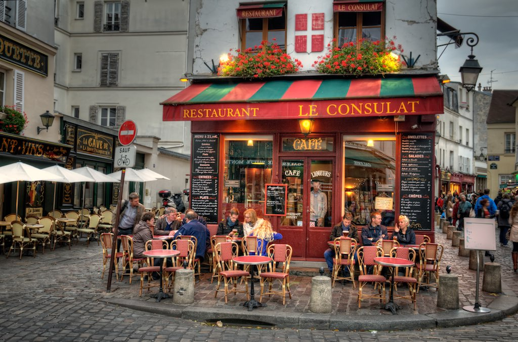 The world 39 s best photos of consulat and paris flickr for Restaurant le miroir montmartre