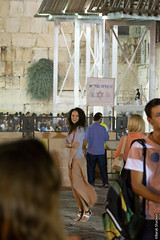 tourist at the western wall (barak.shacked) Tags: nightphotography portrait woman jerusalem streetphotography tourist jewish youngwoman   thewesternwall oldcityofjerusalem