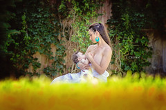 The eyes (jcrusenphotography) Tags: woman baby illinois child mother naturallight breastfeeding nursing centralillinois leleche jcrusenphotography theartofnursing