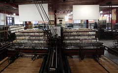 Large cotton loom (Carol Spurway) Tags: museum manchester 19thcentury cotton oldham mills mosi cottonmill museumofscienceandindustry looms museumofscienceindustry cottonopolis textilemachines plattbrotherscoltd textilesgallery greatwesternwarehouse