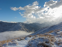 first snow (Tonio06fr) Tags: morning daylight natural landscape cloud mercantour sky snowy light blue fog mountain